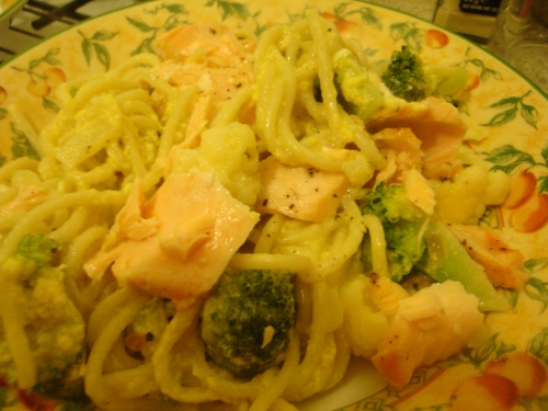 Creamy pasta with salmon